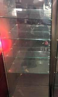 售 玻璃展示櫃 有投射燈