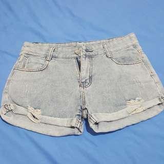 Short pants blue jeans