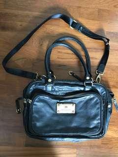 Salad black leather handbag