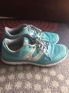 usa pro trainers shoe