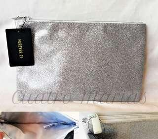 Forever 21 flat pouch
