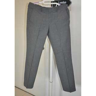 Celana Panjang bahan slim fit merk The Executive size 30