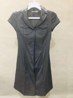 Dress Elfas kerah kancing hitam