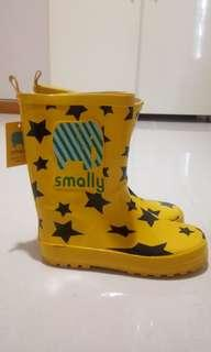 Brand New Korea Smally Cartoon Rubber Rain Boots For Kids ( Size 33 ) with free giveaway barely used white school shoes