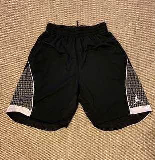 🚚 Jordan basketball shorts size XL