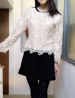 正韓米白色布蕾絲拼接裙長袖短洋裝