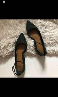 CHARLES & KEITH POINTED FLATS