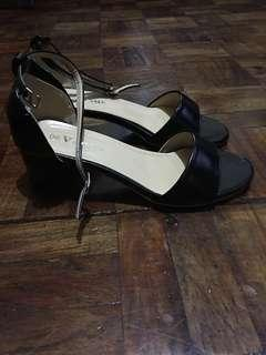 Sandals sale last price na 😊