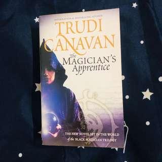 English Novel - The Magician's Apprentice by Trudi Canavan
