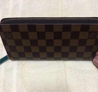 LV Womens Long Wallet (one zip)