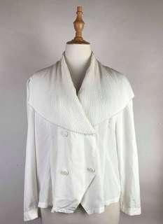 White top/blazer