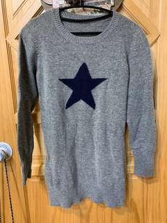 🚚 灰色 深藍 星星 毛衣 長板