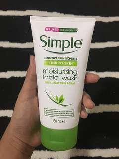 SIMPLE Moisturising Facial Wash