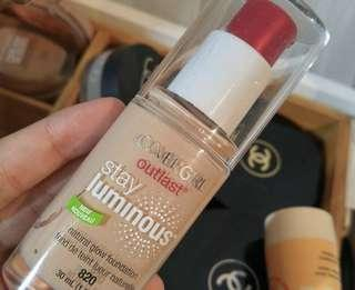 CoverGirl Outlast Stay Luminous