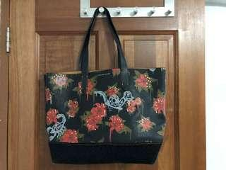 💯 Auth Coach X Gary Baseman Rose Print Tote Bag