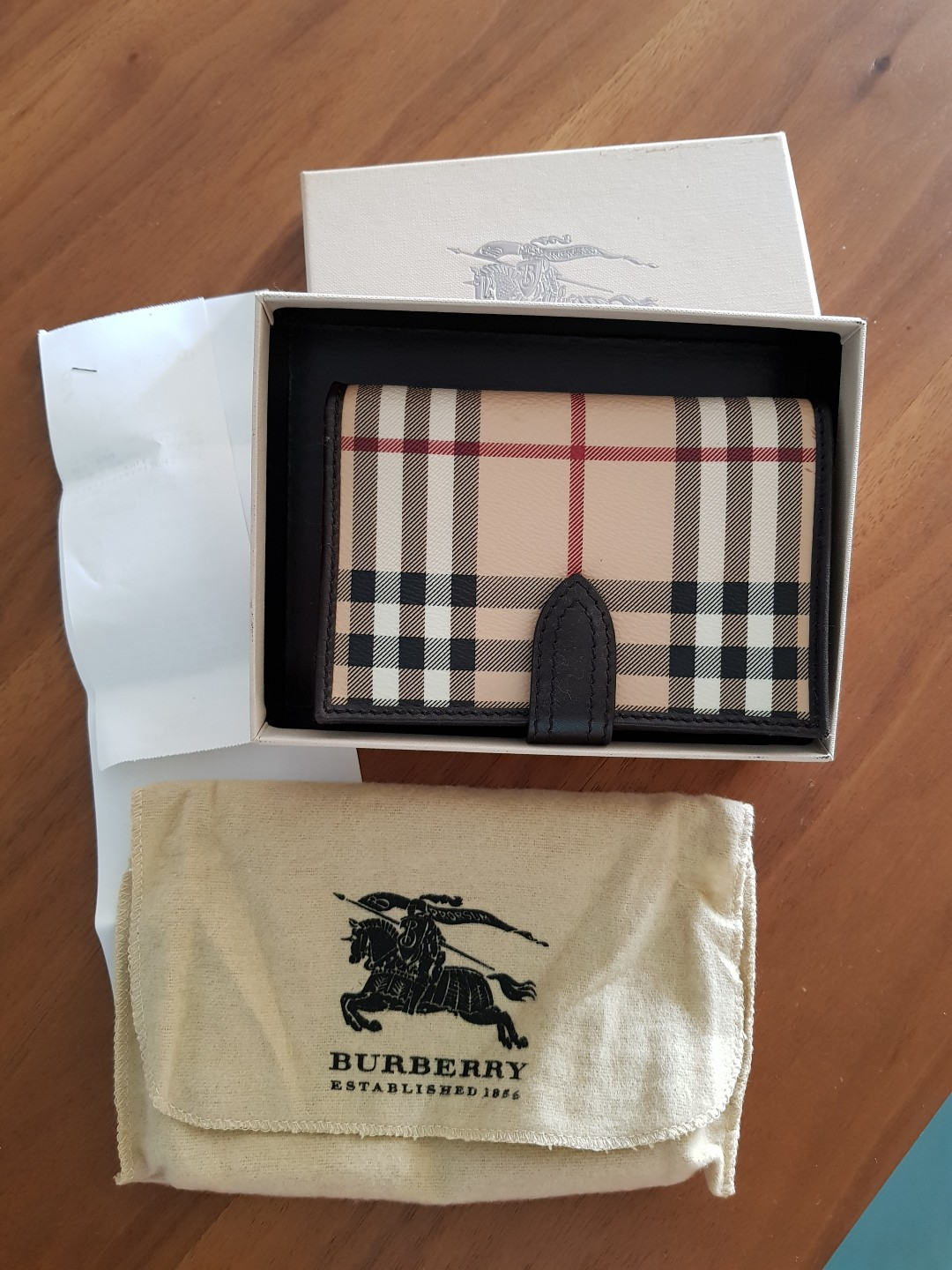 Authentic Burberry wallet 6b56faa24