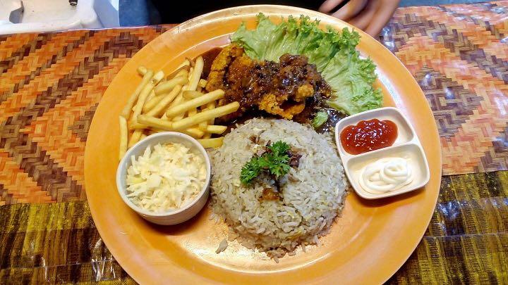 Chicken Chop Nasi Goreng Makanan Minuman Makanan Segara Di