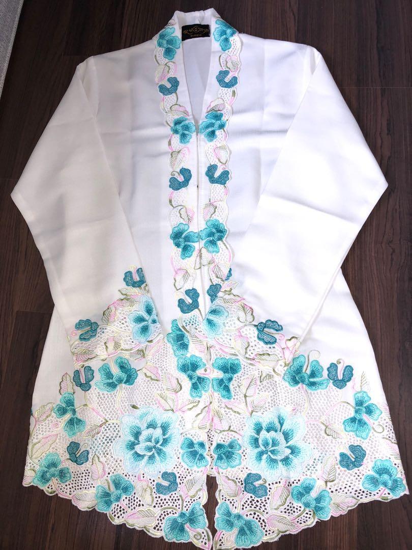 Kebaya set top and skirt size S M 6edb8fdc46