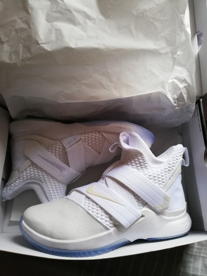 pretty nice 9d3ba b1f2d Lebron soldier 12, Men s Fashion, Footwear, Sneakers on Carousell