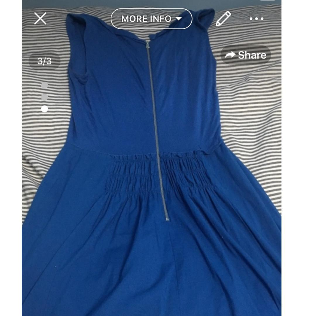 Lightly used ( worn less than 10 times) Tahari Conalt Blue Zippered Dress- Size 2