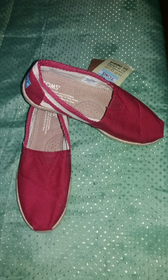 5bbb26a0ab52 Original Toms shoes buy 1 take 1 pointmade shoes PHP 1500