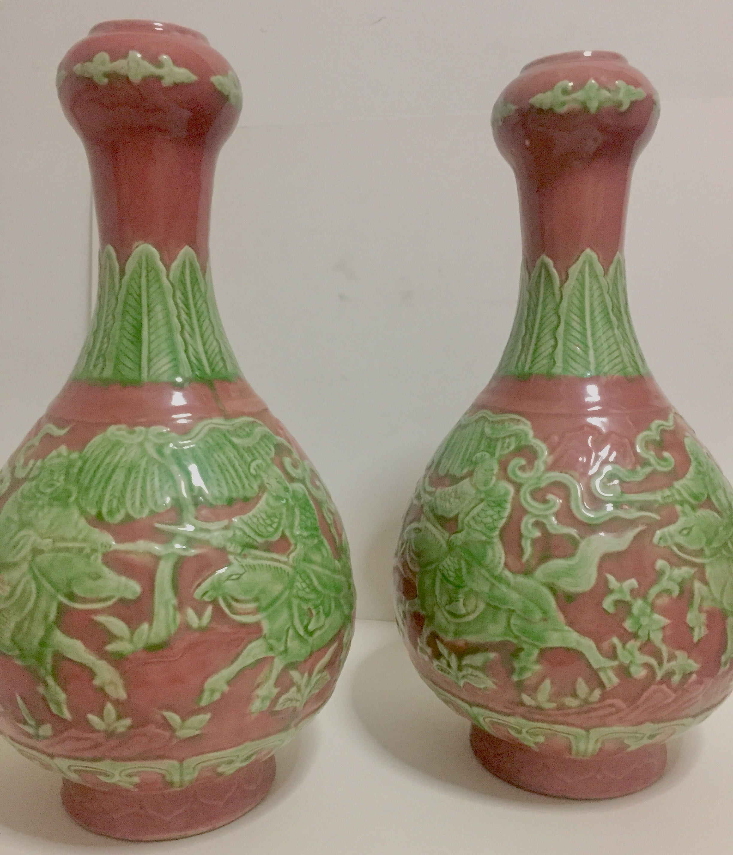 Pair of XXL Chinese Vases with Warriors on Horses