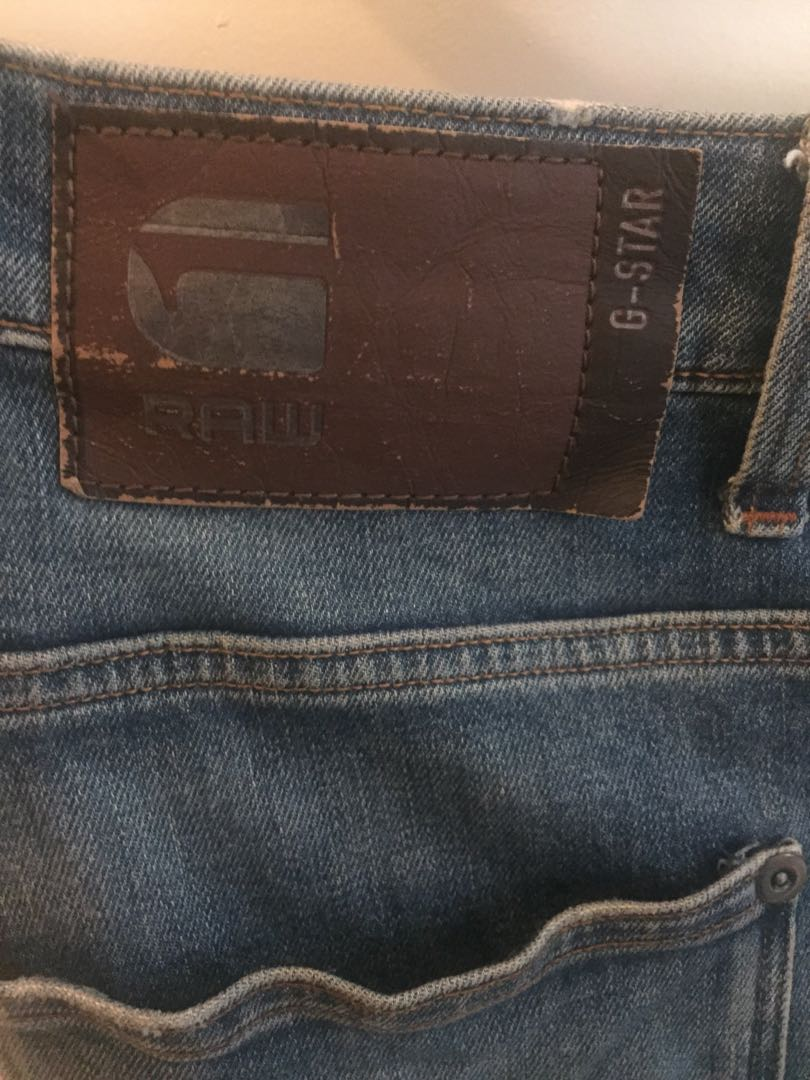 bbcff3c26a2 Revend Straight Fit Jeans, Men's Fashion, Clothes, Bottoms on Carousell