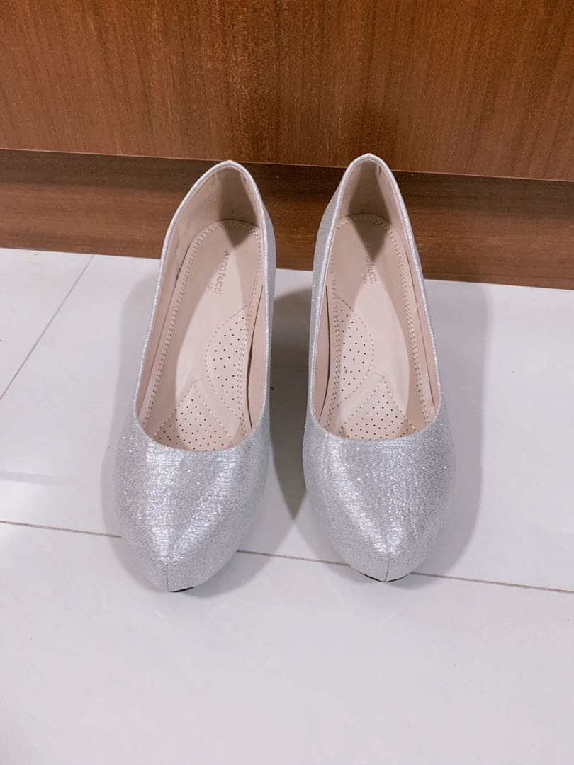 332a8bf432a Sparkly Anna Nucci Silver Heels