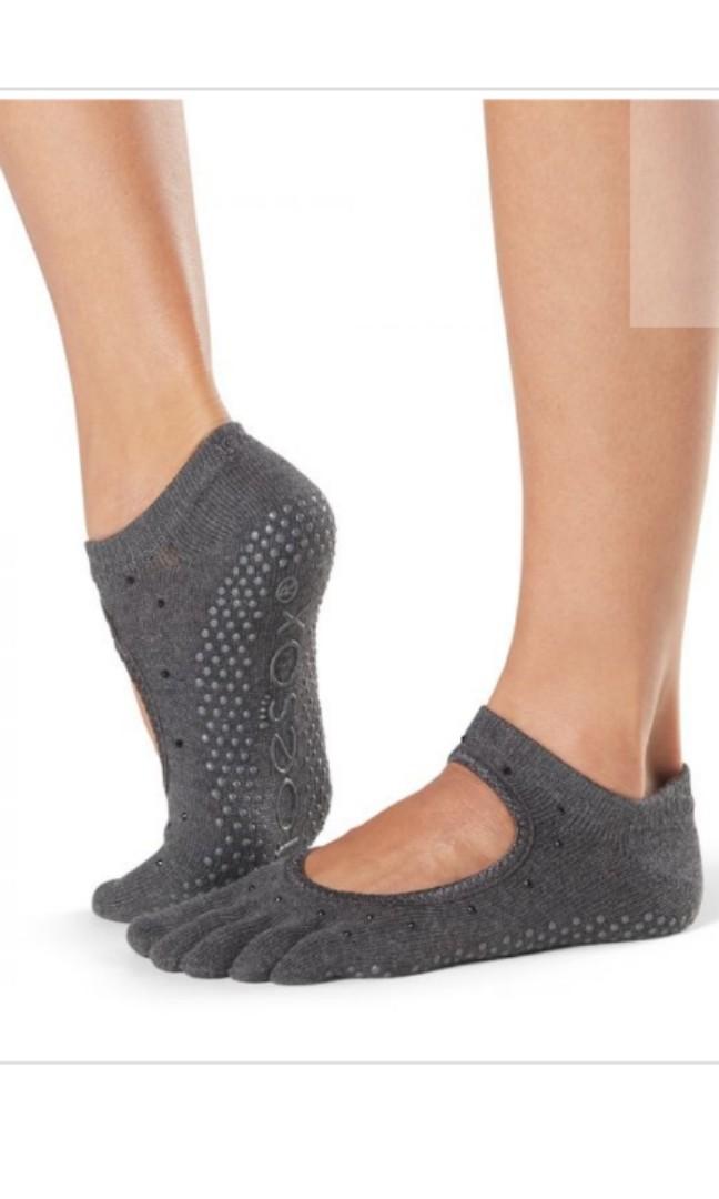fb96838b6 Toesox Full Toe Bella Grips, Women's Fashion, Accessories, Socks & Hosiery  on Carousell