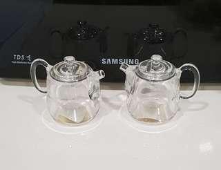 Sauce pot - plastic (saucer cup bottle spoon folk kitchenware wok bowl plate happy pan mixer cooker glassware maker bakeware kettle cookery)