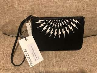 全新 Neil Barrett 尼龍+真皮邊 小袋 Zip wallet