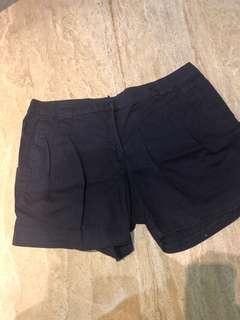 H& M short pants