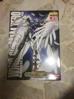 Bandai 30th Anniversary 1/100 MG Wing Gundam Zero Custom