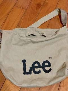 🚚 Lee 側背也可手拿