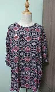 New Plus Size Batik Print Top 3XL (125 cm)