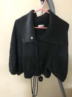 100% new Dark Grey knitted cape coat  全新深灰色針織斗蓬上衣
