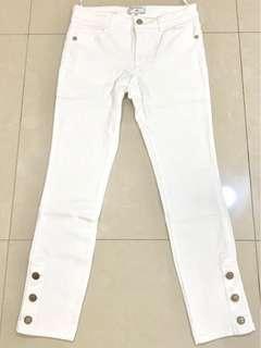 🚚 近全新! Chanel精緻百搭微彈性白色牛仔褲(36碼)