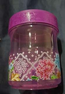 Lavender color food container with flora theme. #SparkJoyChallenge