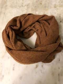 Cinnamon circle scarf