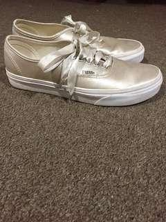 Satin Lux Authentic Vans