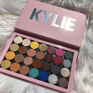 Kylie big eyeshadow