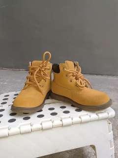 Eddie Bauer Boots for boys