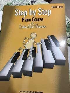 鋼琴琴譜 step by step piano course book three
