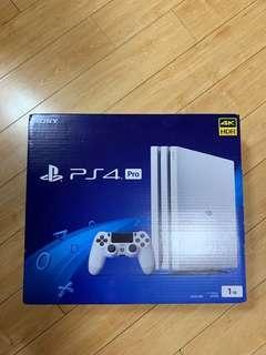 全新PS4 Pro(國行板)+ FIFA19(英文板)