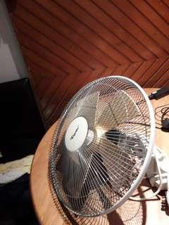 3 wall Fans for sale