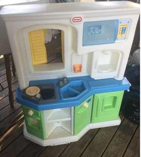 Little Tikes Cookin Fun Interactive Kitchen