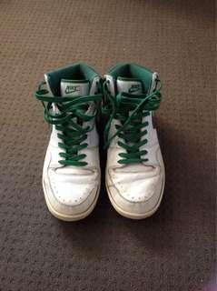 Nike White and Green Hightops