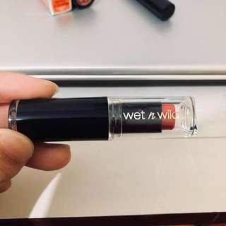 🚚 Wet n wild #red velvet 唇膏
