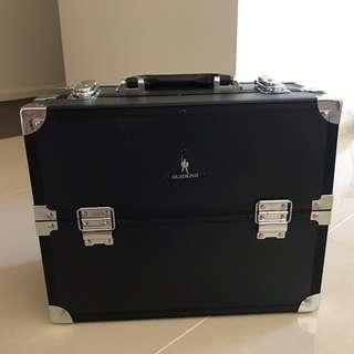 Professional Make Up Artist Cosmetic Case and Hairstyling Supplies