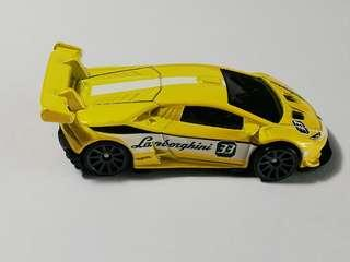 Hot Wheels LamborghiniHuracan LP 620-2 Super Trofeo with RARE 10SP WHEELS VARIATION (From 9 Pack)